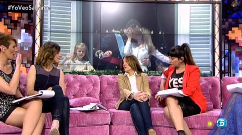 Leg, Interior design, Sitting, Pink, Coat, Purple, Blazer, Fashion, Beauty, Couch,