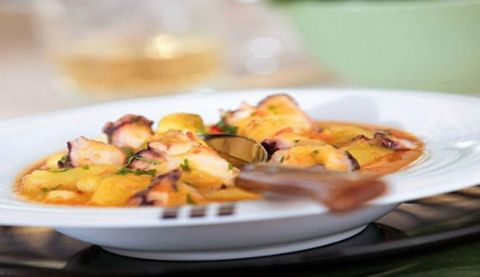 Food, Dishware, Plate, Serveware, Dish, Recipe, Cuisine, Side dish, Ingredient, Produce,