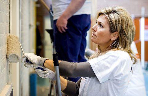 Arm, Safety glove, Glove, Service, Job, Engineering, Science, Nurse uniform, Research,