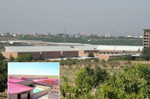 Property, Real estate, Roof, Land lot, Residential area, Urban design, Home, Condominium, Apartment, Suburb,