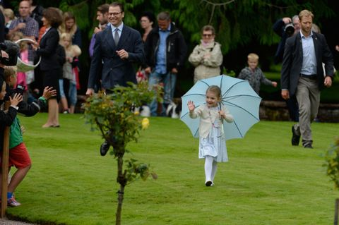 Human, Lawn, Spring, Umbrella, Park, Garden, Ceremony,