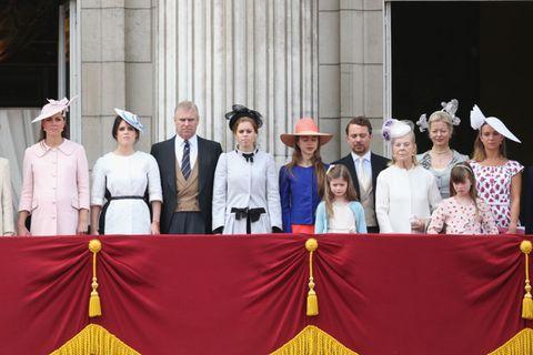 Hat, Headgear, Costume accessory, Sun hat, Tradition, Costume, Tie, Costume hat, Fedora, Curtain,