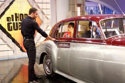 Vehicle, Land vehicle, Automotive design, Vehicle door, Classic car, Car, Fender, Classic, Antique car, Service,