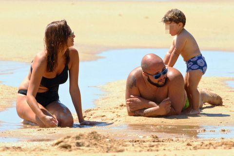 Head, Leg, Fun, Human body, Mammal, People in nature, Summer, Beach, Undergarment, Vacation,