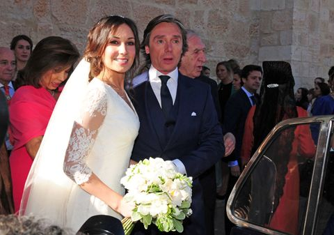 Hair, Face, People, Event, Eye, Photograph, Bridal clothing, Suit, Bouquet, Coat,