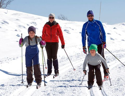 Winter, Recreation, Trousers, Slope, Snow, Outerwear, Ski Equipment, Outdoor recreation, Winter sport, Jacket,
