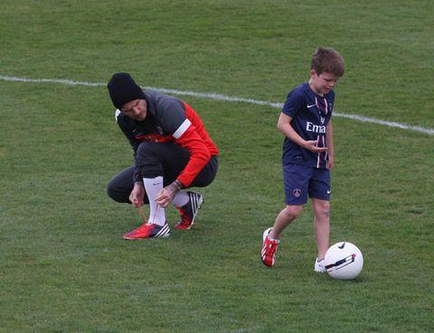 Ball, Football, Grass, Sports equipment, Soccer ball, Team sport, Ball game, Playing sports, Ball, Sports,