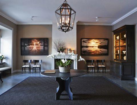 Lighting, Floor, Interior design, Room, Flooring, Property, Table, Interior design, Wall, Ceiling,
