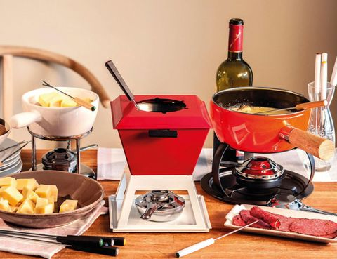 Food, Cuisine, Tableware, Meal, Bottle, Cookware and bakeware, Bowl, Dish, Dishware, Cooking,