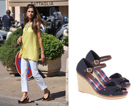 Brown, Textile, Style, Fashion accessory, Street fashion, Fashion, Waist, Bag, Beige, Tan,