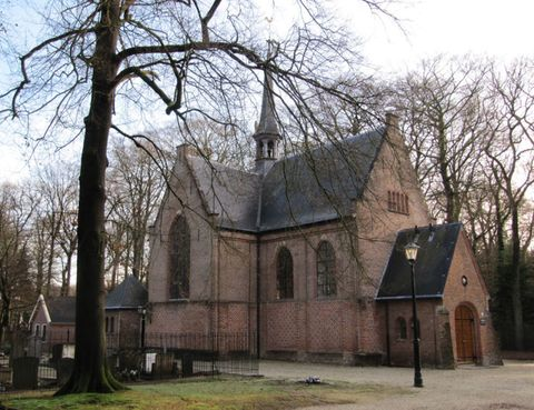 Property, Tree, Land lot, House, Real estate, Rural area, Roof, Home, Medieval architecture, Cottage,