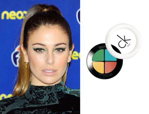 Hairstyle, Eyebrow, Eyelash, Earrings, Style, Eye shadow, Colorfulness, Eye liner, Electric blue, Cosmetics,