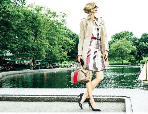 Human leg, Dress, Style, Street fashion, Bag, Fashion, Blazer, Knee, Fashion model, Luggage and bags,