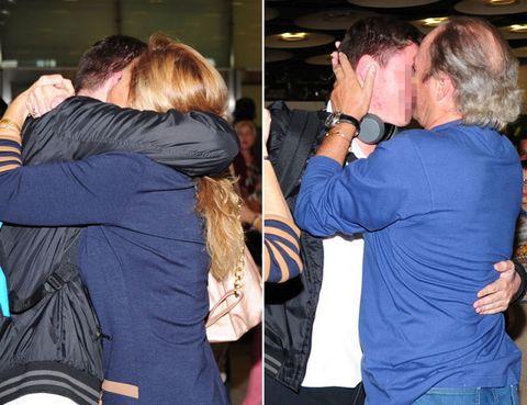 Shoulder, Interaction, Back, Love, Hug, Hearing, Makeover, Pocket, Gesture, Bracelet,