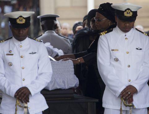 Sleeve, Cap, Collar, Dress shirt, Naval officer, Uniform, White, Military person, Peaked cap, Navy,