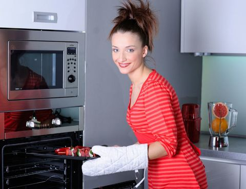 Hair, Red, Display device, Home appliance, Kitchen appliance, Cook, Barware, Kitchen, Oven, Cabinetry,