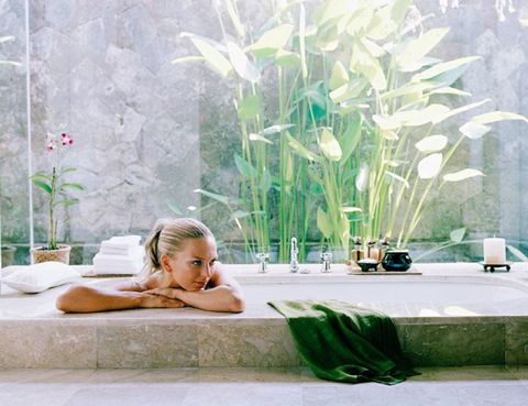 Comfort, Bathing, Swimming pool, Plant stem, Jacuzzi,