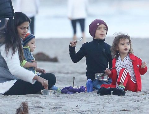 Nose, Human body, Winter, Sand, Beach, Play, Playing with kids, Curious,