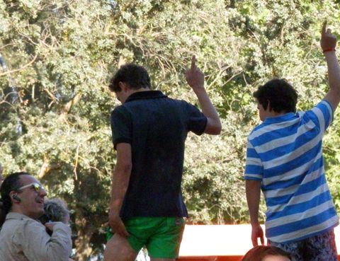 Arm, Fun, Mammal, Community, People in nature, Leisure, Interaction, Active shorts, Back, Gesture,