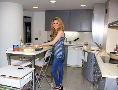 Lighting, Room, Kitchen, Kitchen sink, Table, Plumbing fixture, Countertop, Denim, Sink, Home appliance,