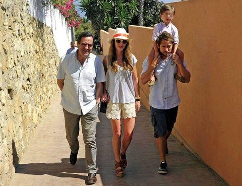 Clothing, Leg, Hat, Trousers, Shirt, Outerwear, T-shirt, Tourism, Sun hat, Shorts,