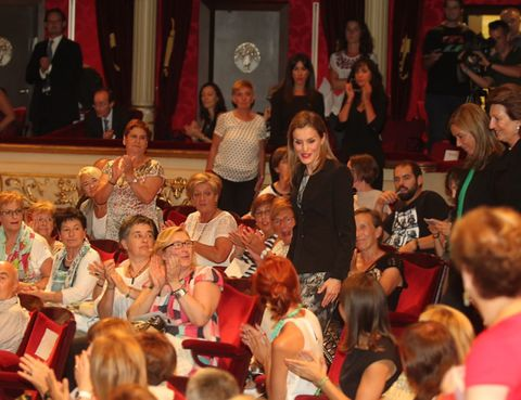 Hair, Face, Head, Event, Mammal, Audience, Flag, Curtain, Party, Ceremony,