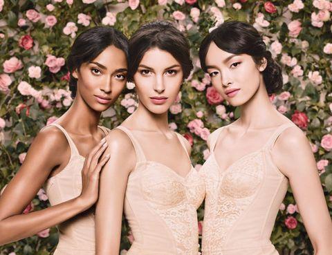 Lip, Petal, Shoulder, Beauty, Fashion, Youth, Dress, Fashion model, Model, Day dress,