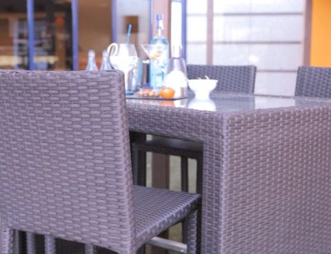 Jardines y terrazas a la ltima - Muebles low cost ...
