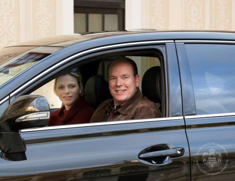 Vehicle, Land vehicle, Vehicle door, Automotive exterior, Car, Automotive window part, Door handle, Luxury vehicle, Family car, City car,