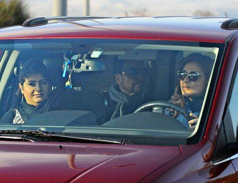 Motor vehicle, Vehicle, Glass, Windshield, Vehicle door, Automotive window part, Sunglasses, Hood, City car, Windscreen wiper,