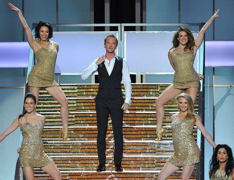 Face, Arm, Entertainment, Leg, Performing arts, Trousers, Event, Dress, Dancer, Performance,