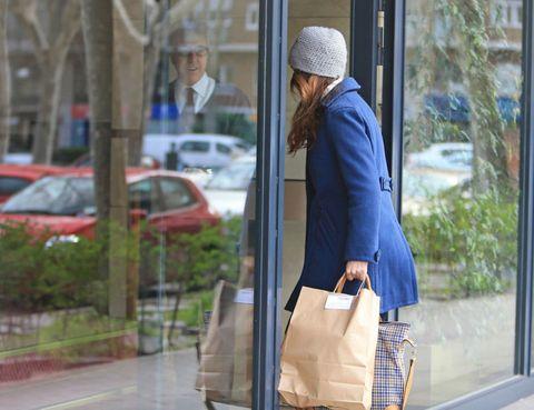 Bag, Cap, Luggage and bags, Street fashion, Fashion accessory, Fixture, Travel, Beanie, Shoulder bag, Beige,