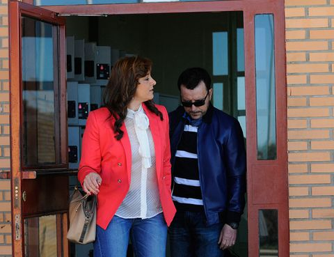 Blue, Brick, Trousers, Jacket, Jeans, Denim, Coat, Shirt, Textile, Outerwear,