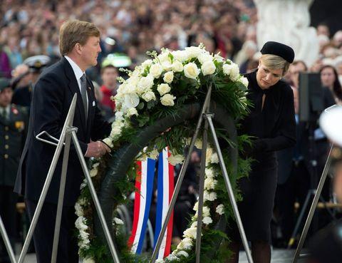 Event, Hat, Tradition, Crowd, Ceremony, Bouquet, Flower Arranging, Floristry, Wreath, Audience,