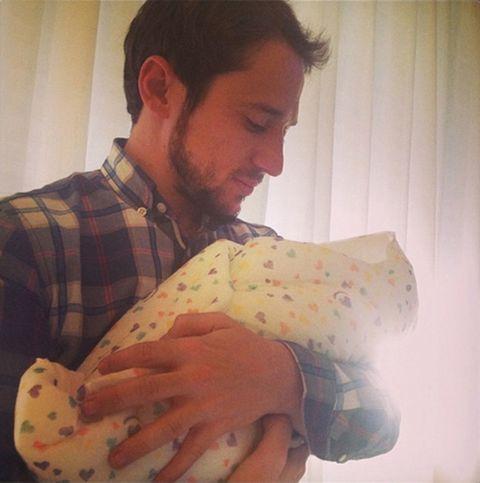 Human, Comfort, Elbow, Baby & toddler clothing, Pattern, Plaid, Facial hair, Nail, Tartan, Baby,