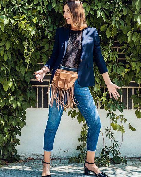 Clothing, Sleeve, Denim, Trousers, Shoulder, Textile, Joint, Outerwear, Jeans, Bag,