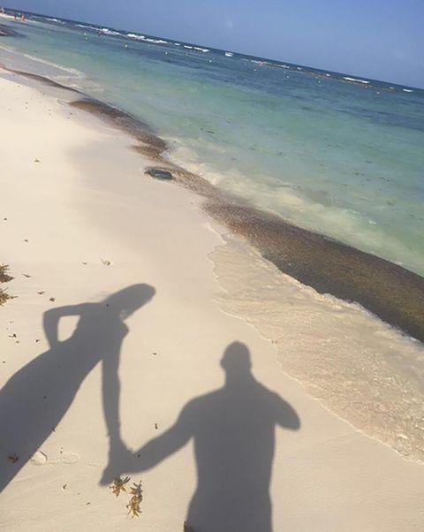 Body of water, Coastal and oceanic landforms, Shore, Coast, Sand, Beach, Aqua, Summer, Ocean, Horizon,