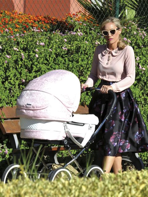 Product, Baby carriage, Sunglasses, Fashion accessory, Baby Products, Dress, Garden, Street fashion, Bag, Necklace,