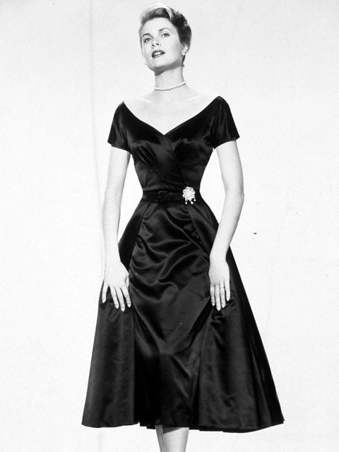 Sleeve, Shoulder, Textile, Joint, Dress, Style, Formal wear, Monochrome photography, Jewellery, One-piece garment,