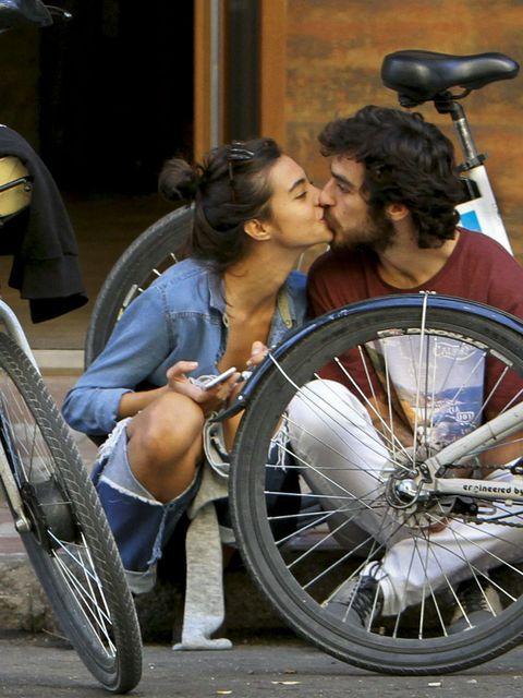 Bicycle tire, Bicycle wheel rim, Spoke, Bicycle part, Automotive wheel system, Automotive tire, Bicycle, Bicycle wheel, Sharing, Rim,