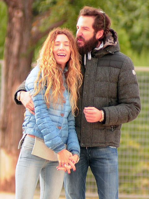 Hair, Denim, Trousers, Jeans, Textile, Outerwear, Mammal, Happy, People in nature, Facial hair,