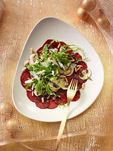 Food, Dishware, Tableware, Serveware, Ingredient, Kitchen utensil, Produce, Leaf vegetable, Garnish, Plate,