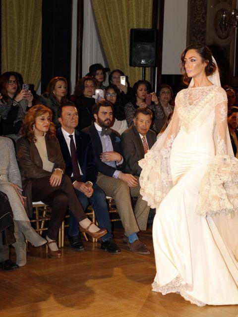Leg, Trousers, Event, Coat, Outerwear, Dress, Formal wear, Suit, Curtain, Gown,