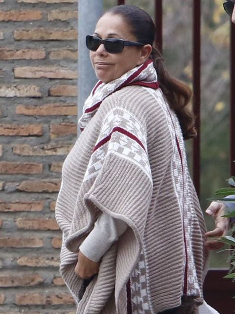 Eyewear, Glasses, Vision care, Sunglasses, Textile, Outerwear, Style, Street fashion, Brick, Fashion,
