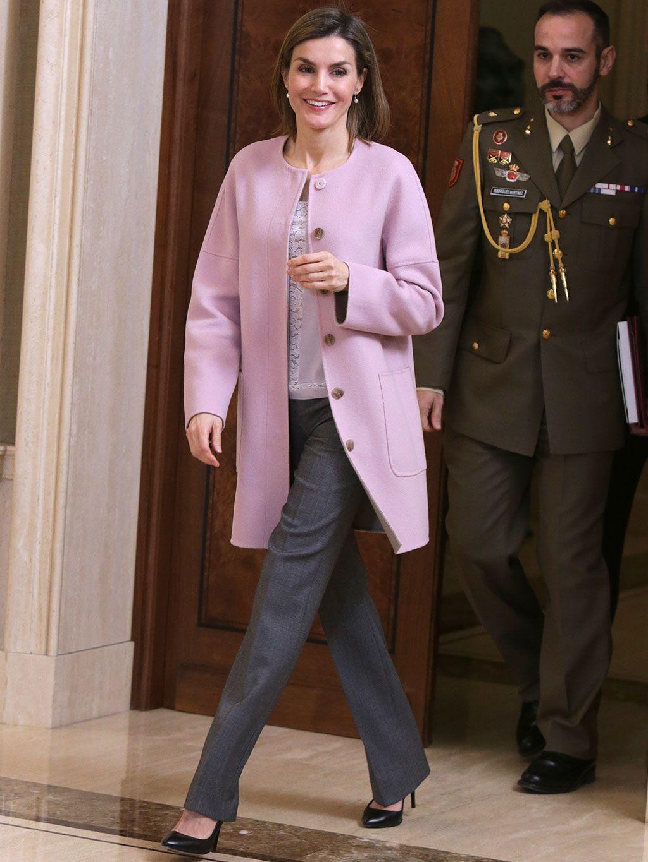 "Letizia pone al ""mal tiempo"" ocho abrigos"