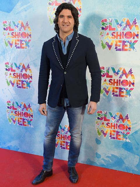 Blue, Sleeve, Trousers, Denim, Jeans, Textile, Outerwear, Style, Flooring, Electric blue,