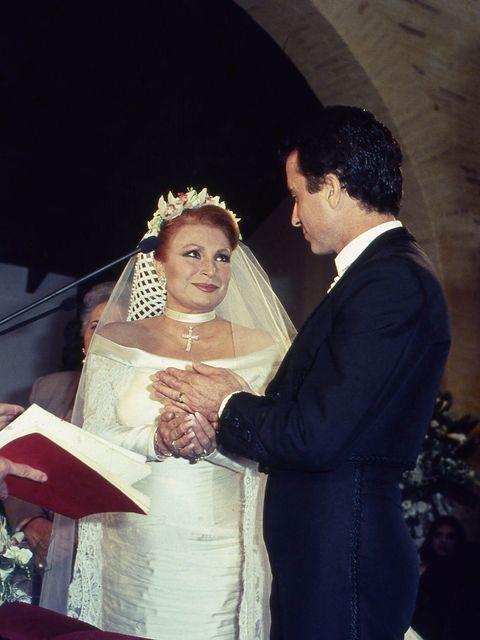 """desarchivamos las bodas de ayer: los dos """"sí quiero"""" de rocío jurado"""