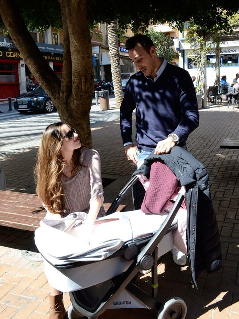 Product, Baby Products, Comfort, Sunglasses, Street fashion, Sitting, Baby carriage, Snapshot, Bag, Lap,