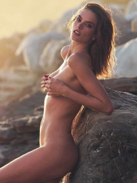 Finger, Hairstyle, Skin, Summer, People in nature, Sunlight, Beauty, Muscle, Long hair, Chest,