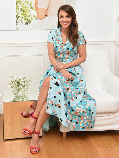 Shoulder, Dress, Style, Sitting, Teal, Turquoise, Aqua, Neck, Jewellery, Day dress,